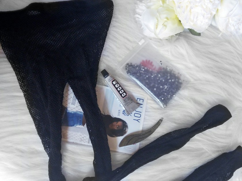 DIY BEDAZZLED FISHNET TIGHTS